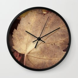 Winter leaf Wall Clock