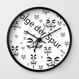 folge der Spur   (A7 B0029) Wall Clock