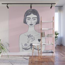 la fille au tatouage Wall Mural