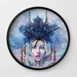Self-Crowned Wall Clock