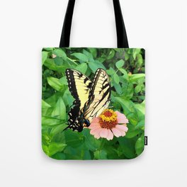 Butterfly on Zinnia 4 Tote Bag