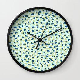 Swaying Wall Clock