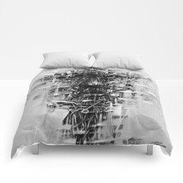 مكسور Comforters