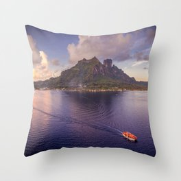 Māuruuru Roa, Bora Bora Throw Pillow