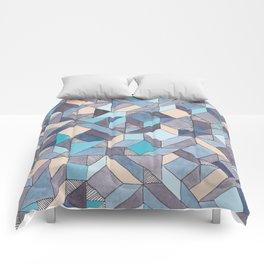 Shifitng Geometric Pattern in Blue Comforters