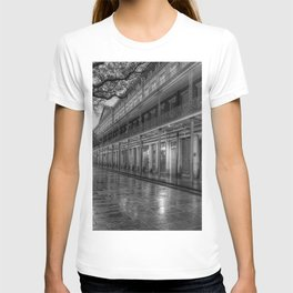 New Orleans, French Quarter, Jackson Square black and white photograph / black and white photography T-shirt