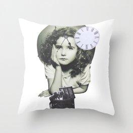 Nostalgía del futuro Throw Pillow