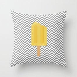 Sorvete 11 Throw Pillow