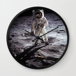 Apollo 11 - Buzz Aldrin On The Moon Wall Clock