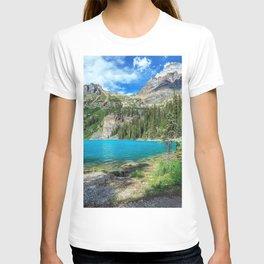 Yoho National Park British Columbia lake mountains trees T-shirt