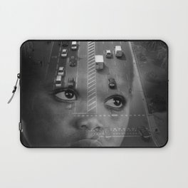 INMIGRANT IN BARCELONA (2017) Laptop Sleeve
