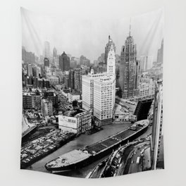 Largest travel Chicago River Chicago Illinois Wall Tapestry