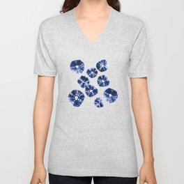 Shibori Kumo dots blue & white Unisex V-Neck