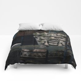 Chillin' Like a Villian Comforters