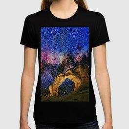Broken Arch Night Sky Design T-shirt