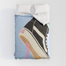 BUBBLE GUM NEVER DIES Comforters