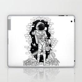 Astronaut on the loose Laptop & iPad Skin