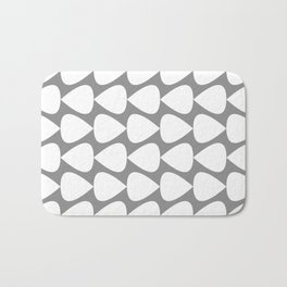 Plectrum Pattern in White and Gray Bath Mat
