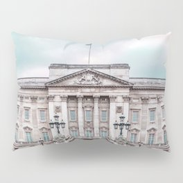 Whilst patchy drizzle dissipated, pink dust – and loud noise – bloomed. Pillow Sham