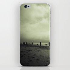 Zombie Apocalypse: The Beach iPhone & iPod Skin