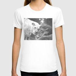 Lion in Love Valentine's Day T-shirt