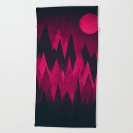Dark Triangles (Peak Woods) Abstract Grunge Mountains Design (red/black) Beach Towel