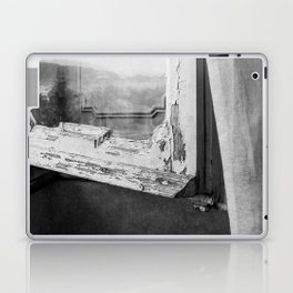 I am a visitor - A window in Tuscany Laptop & iPad Skin