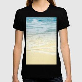 Kapalua Beach dream colours sparkling golden sand seafoam Maui Hawaii T-shirt