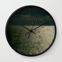Screaming in the rain Wall Clock