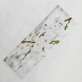 White blooming Yoga Mat