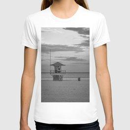 Clearwater Beach Florida Lifeguard Hut Tampa Bay Ocean Black White Print T-shirt