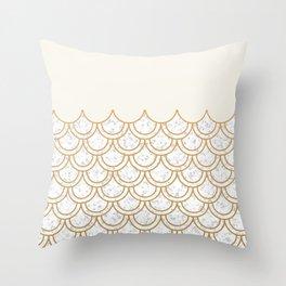 Modern minimalist marble cream & gold fish scales pattern Throw Pillow
