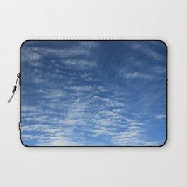 Cloudy Sky / Cielo nublado Laptop Sleeve