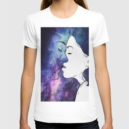 Kisses from the universe. T-shirt