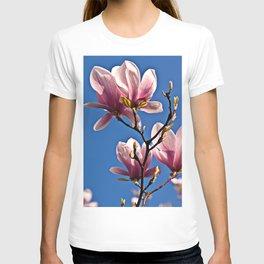MAGIC MAGNOLIA T-shirt
