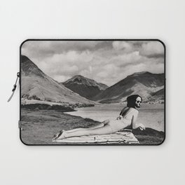 FRENCH LEAVE Laptop Sleeve