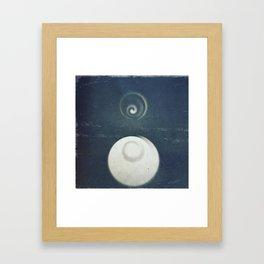 Niebieski Framed Art Print