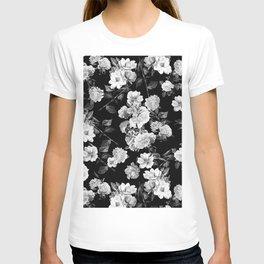 Black and White Botanic Pattern T-shirt