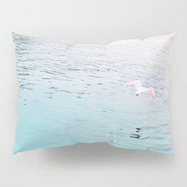 Seagull flying Pillow Sham