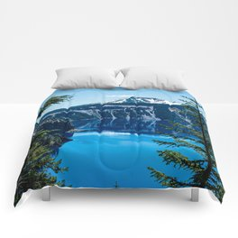 Crater Lake // Incredible National Park Views of the Dark Blue Waters Sky and Mountains through the Comforters
