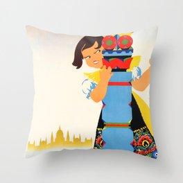 Ungarn som Ferieland Throw Pillow