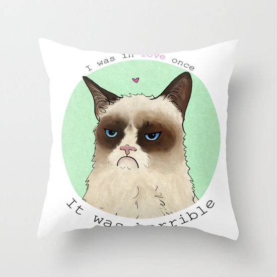 Grumpy cat love Throw Pillow