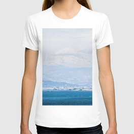 Lake to Peak // Snowy Blue Fog Mountain View Oregon Landscape Photograph T-shirt