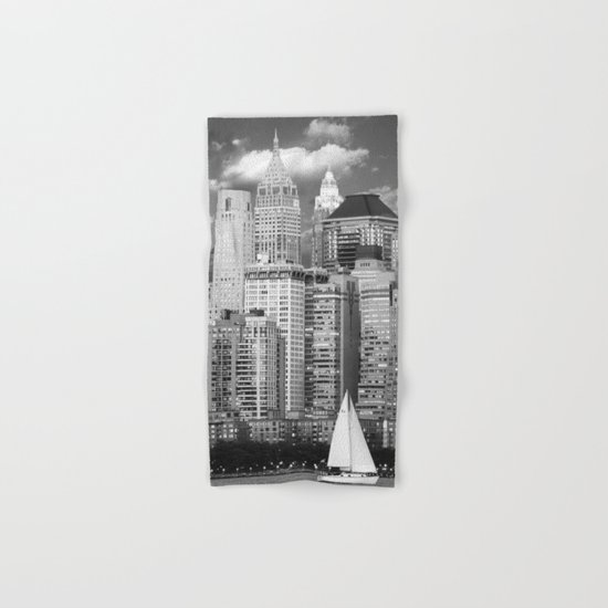Manhattan in Black & White (New York, NY, USA) Hand & Bath Towel