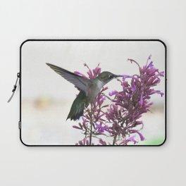 Feeding hummingbird 63 Laptop Sleeve