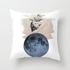 hey diddle diddle 3 Throw Pillow