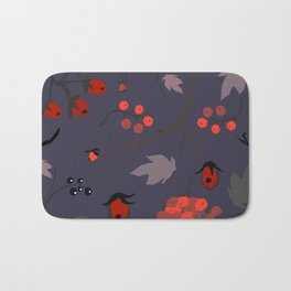 Red berry, Christmas Brier Spray Pattern Bath Mat
