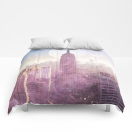 I LOVE PINK NEW YORK CITY SKYLINE - Full Moon Universe Comforters