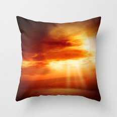 sunrise in the sea Throw Pillow