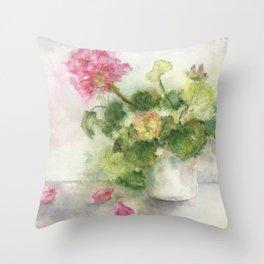 Beaux Geraniums Roses Throw Pillow